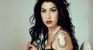-Amy-Winehouse-