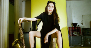 PJ Harvey in concerto all'Obihall di Firenze