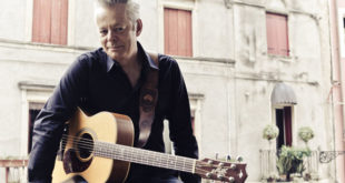 Tommy Emmanuel in concerto all'Obihall di Firenze
