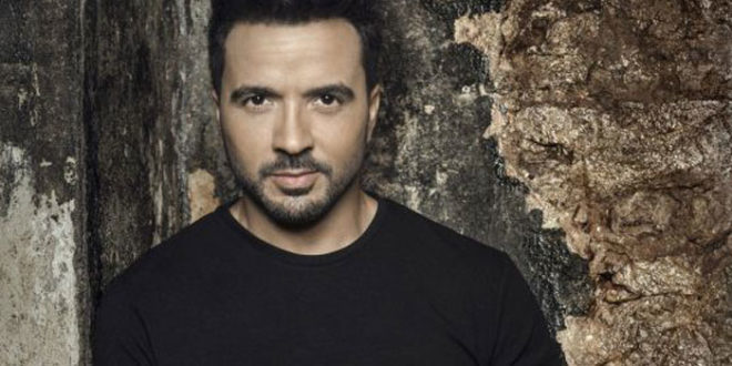 Luis Fonsi al primo posto in classifica con Despacito