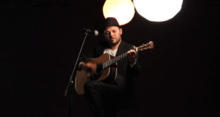 More than Roads live a L'asino che Vola