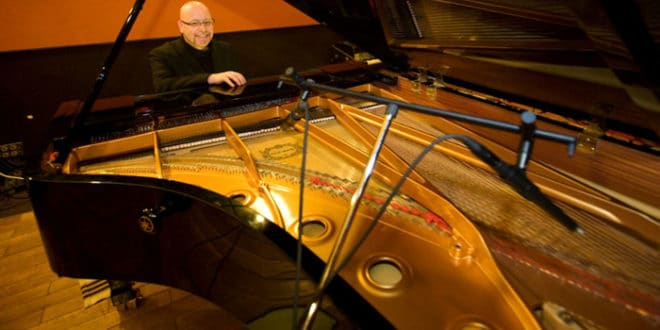 Pino Jodice Jazz Trio dal vivo all'Elegance